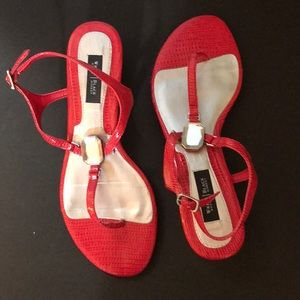 Whbm NWOT red sandals sz 7M